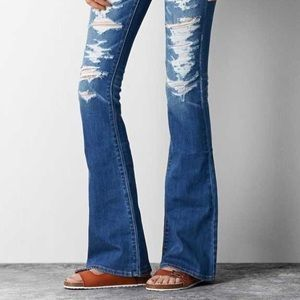 AMERICAN EAGLE flare ripped jeans